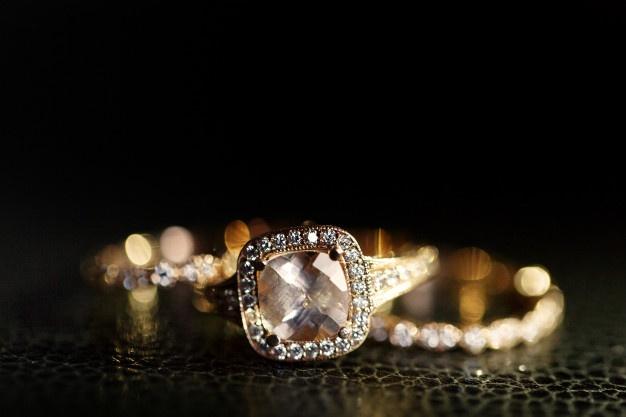 pierścionek pozłacany